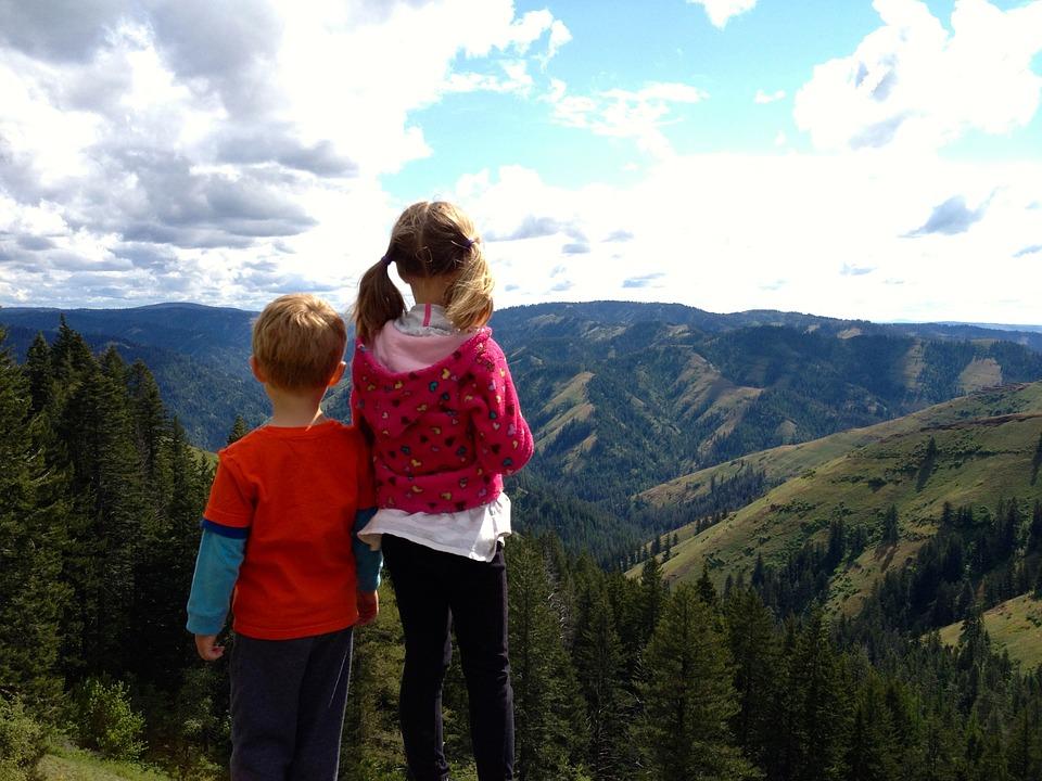 Niños montaña